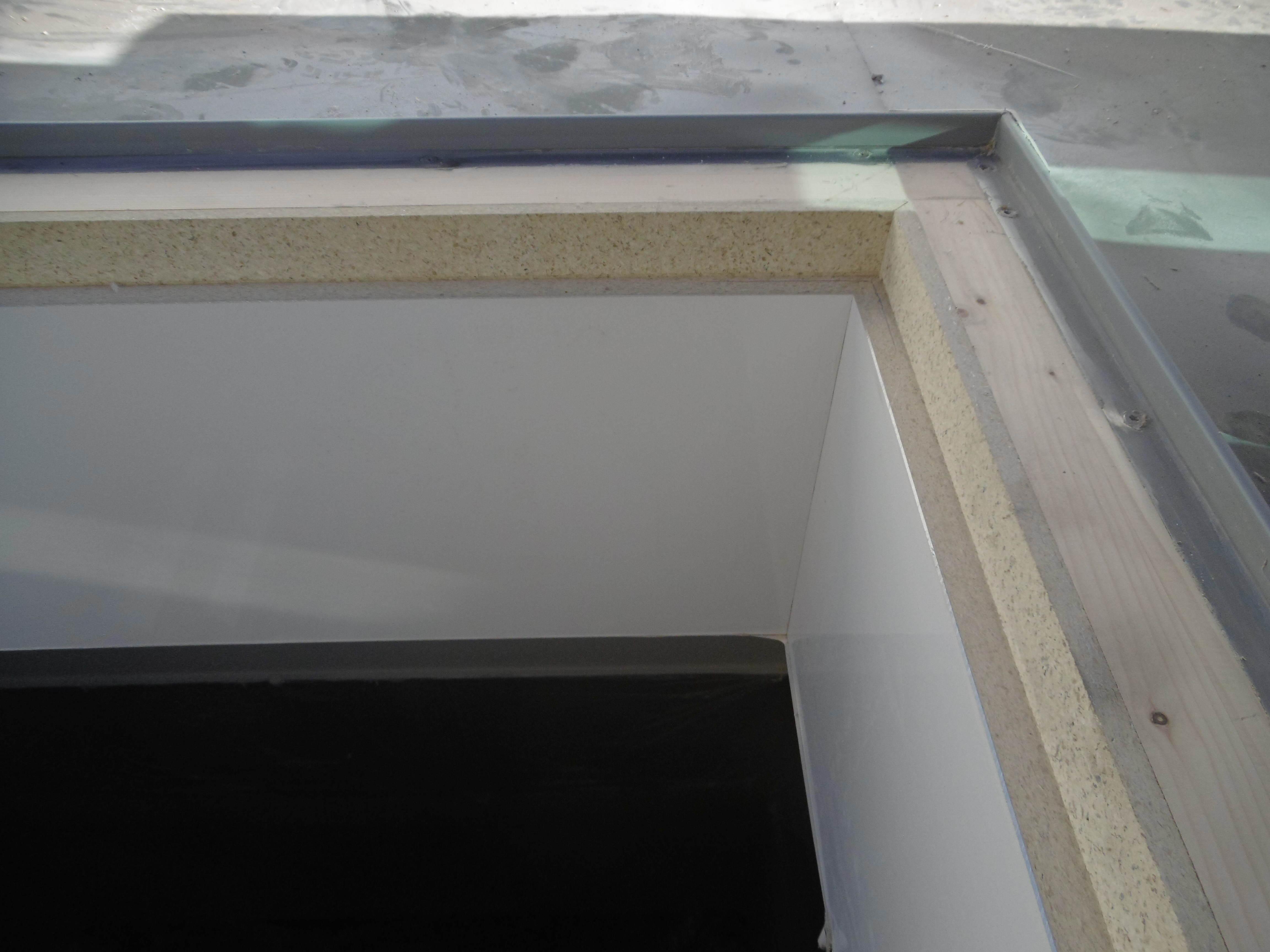 Copertura tetto piano in PVC o bituminoso.