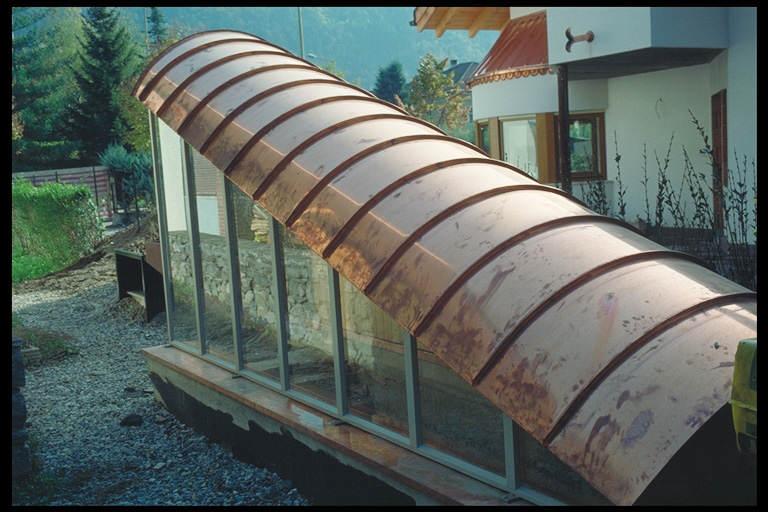 Costruzione del tetto in acciaio con il sistema di for Garage di costruzione in acciaio con appartamento